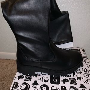 Moto boots size 5.5